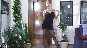 HD Discover the way seductive ladies use nylons for the sexual satisfaction
