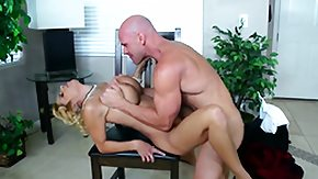 HD Alyssa Lynn Sex Tube Alyssa Lynn swirls the tongue around