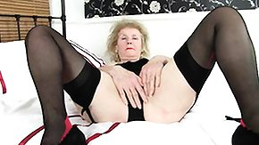 HD Granny Sex Tube British granny Elaine works her old pussy