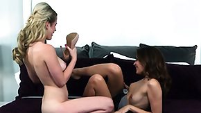 HD Cassie Laine Sex Tube Cassie Laine gives oralsex to Catie Parker