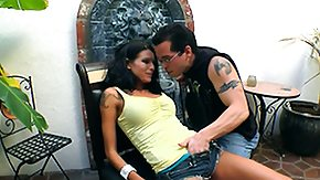 Country HD Sex Tube Sea J Rough in like manner The Chicken Farmer having a good lunch outdoors
